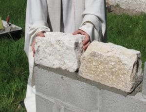Pose de la première pierre